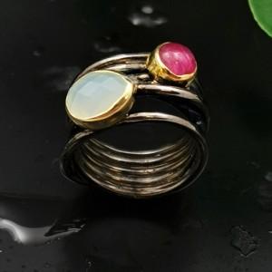 Δ02225 Δαχτυλίδι, χειροποίητο, ασήμι 925 τυλιγμένο σύρμα και ημιπολύτιμοι λίθοι.